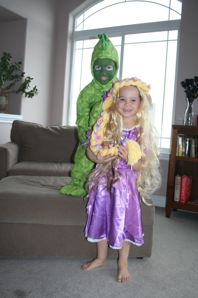 10-29-2011 halloween party_0006