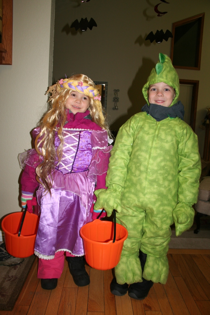 10-31-2011 trick or treat_0001