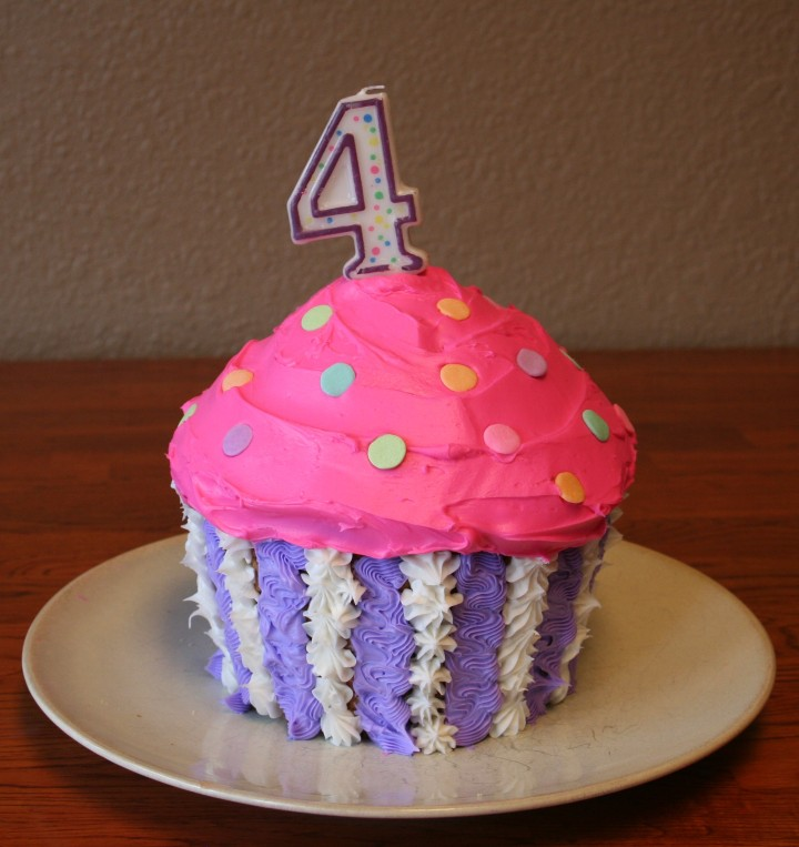4-11-2010 maggie bday_cake